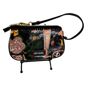SAKROOTS Happy Free Nature ZipWristlet -Sz 7x4